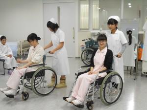 車椅子体験①